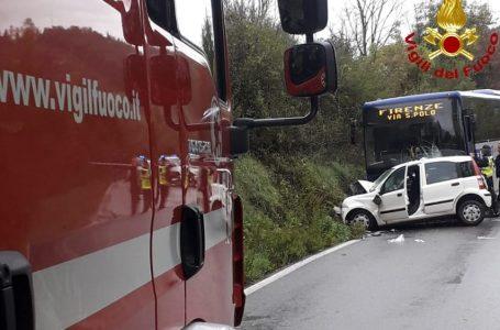Capannuccia, grave incidente: scontro frontale tra bus ed auto