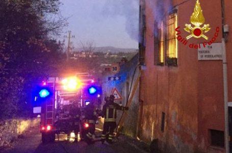 Via Vecchia di Pozzolatico, appartamento in fiamme: intossicata una persona