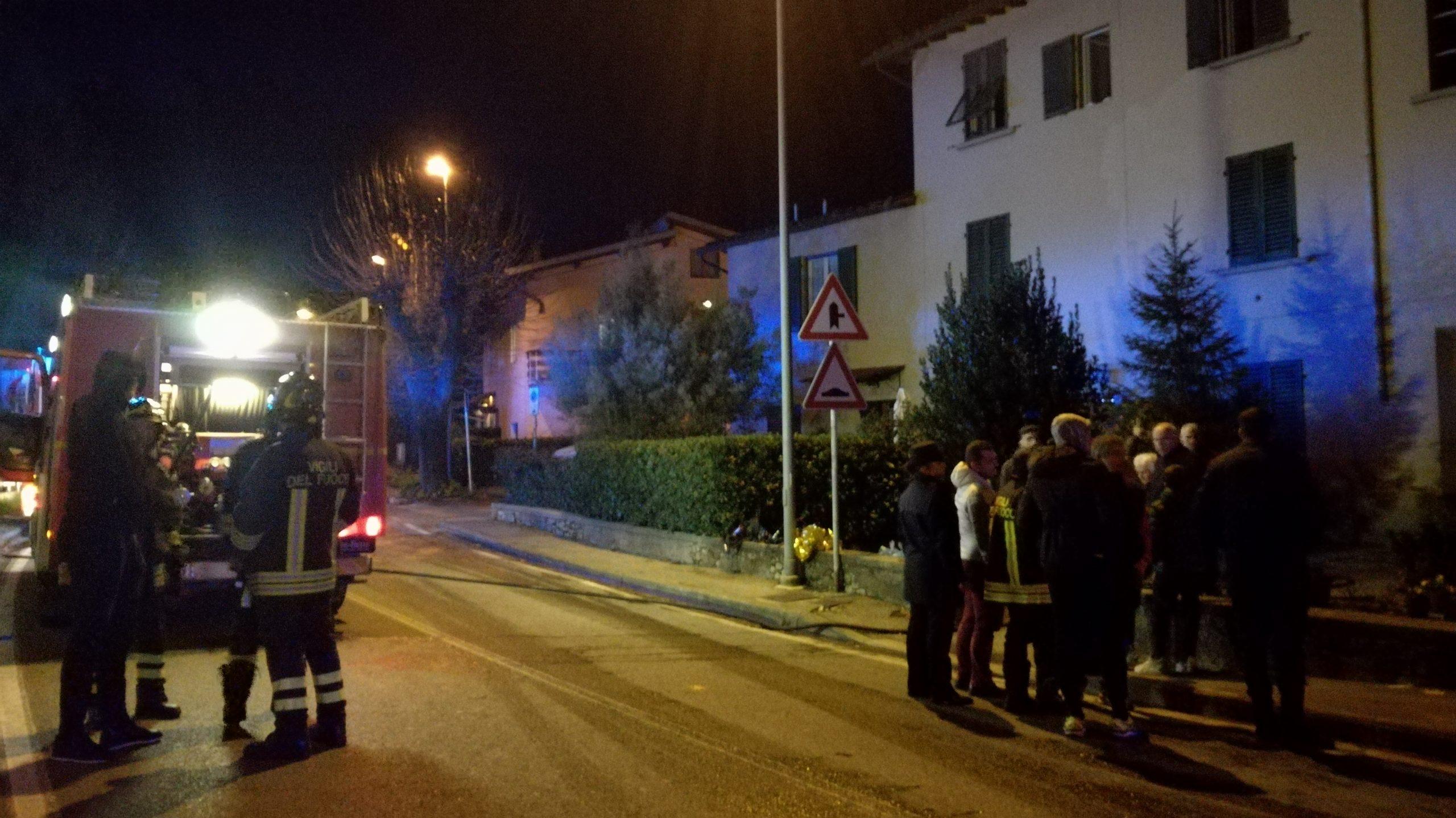 Cerbaia, incendio in un'abitazione: salvata una persona