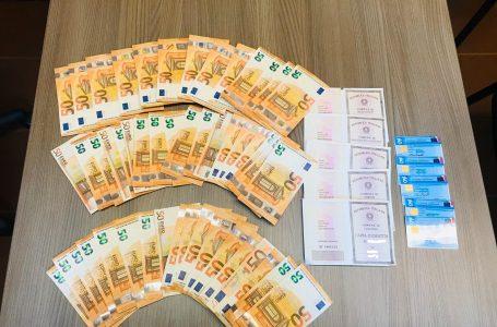 Firenze, prelievi agli sportelli con documenti falsi: sorpresi con 8000 € in macchina