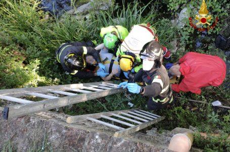 Bagno a Ripoli, cade da tre metri: i Vigili del Fuoco soccorrono una donna