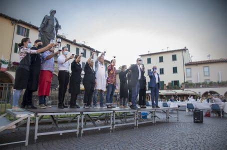 """Chianti, i """"gusti"""" della tavola per brindare al rilancio: in Piazza Matteotti la cena promossa dai ristoratori!"""