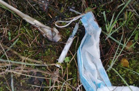 Impruneta, allarme siringhe (e sporcizia) nell'area boschiva dei Sassi Neri