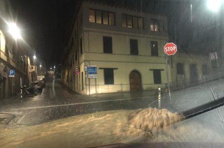 Maltempo in Toscana, codice arancione per temporali e vento