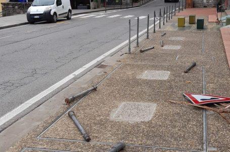 Impruneta, paletti sradicati in Piazza Buondelmonti: cos'è successo?