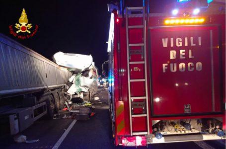 A1, incidente tra Firenze Sud e Fi-Impruneta: scontro tra tre mezzi pesanti