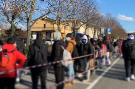 """Tornano in classe le Superiori, il sindaco Casini: """"Buona la prima per il trasporto scolastico"""""""