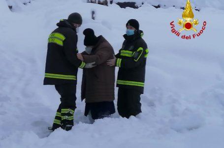 Emergenza neve in Toscana: Vigili del Fuoco impegnati nelle operazioni di soccorso