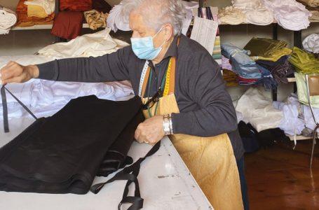 """La storia di Roberta, la """"nonna lavoratrice"""": 80 anni di età e 73 di carriera!"""