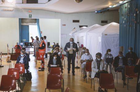 Covid: superata la soglia di 1 milione di vaccinazioni in Asl Toscana Centro