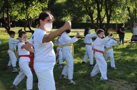 """""""Karatestate"""" a Bagno a Ripoli, lezioni nei giardini pubblici e via ai centri estivi di Empi Dojo"""