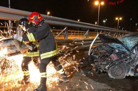 Prato, incidente nella notte: intervento decisivo dei Vigili del Fuoco