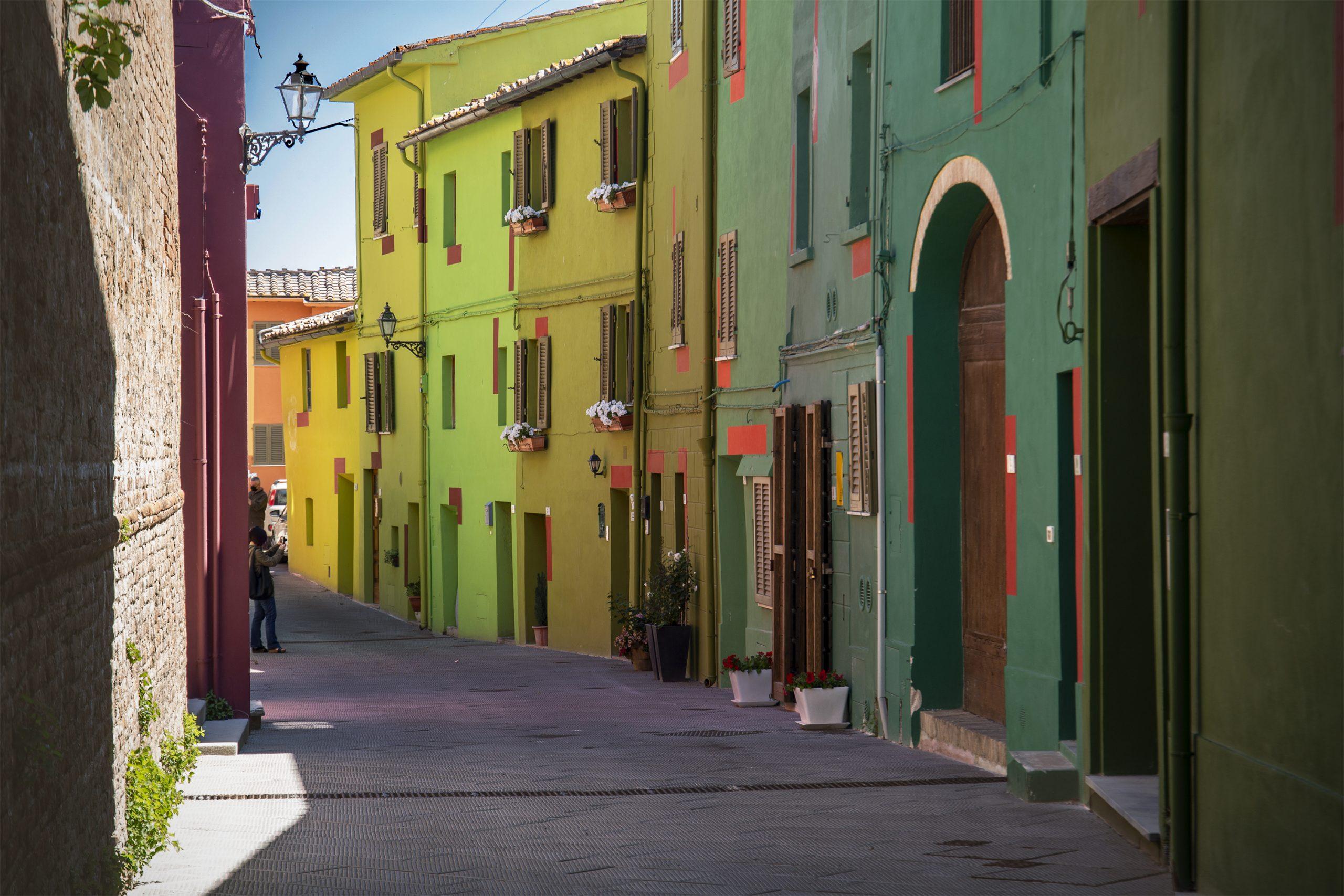 """Visitare la Toscana / Ghizzano, Legoli, Peccioli: l'Arte non è mai """"troppo"""""""