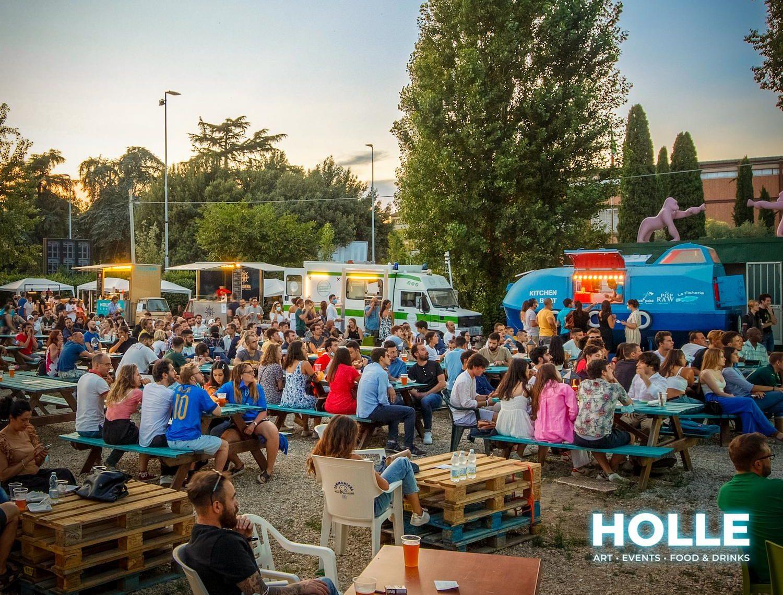 "Firenze, nel paradiso dello street food: all'HOLLE MARKET musica ""live"" e ""Super Burger Week"""