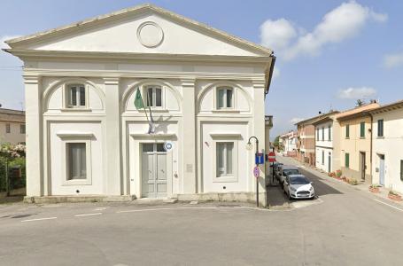 Un fulmine ha colpito la biblioteca comunale di Barberino Val d'Elsa