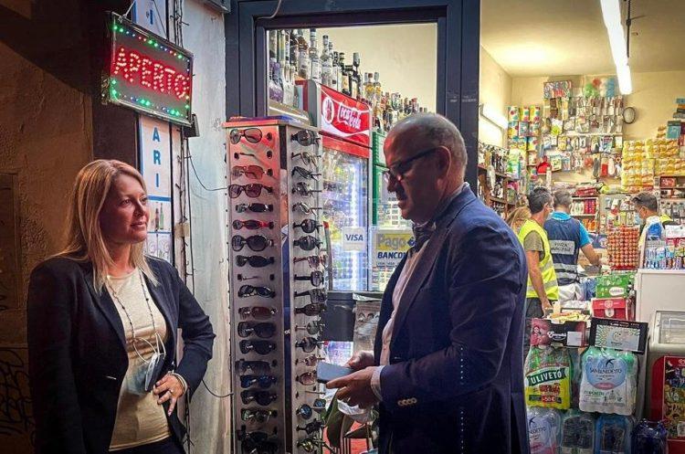 Firenze, operazione contro la vendita abusiva di alcolici: sanzioni e chiusure per minimarket