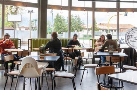 """Deliburger vi accoglie nelle sale interne: la qualità del pasto nel """"fast food"""" di filiera corta"""